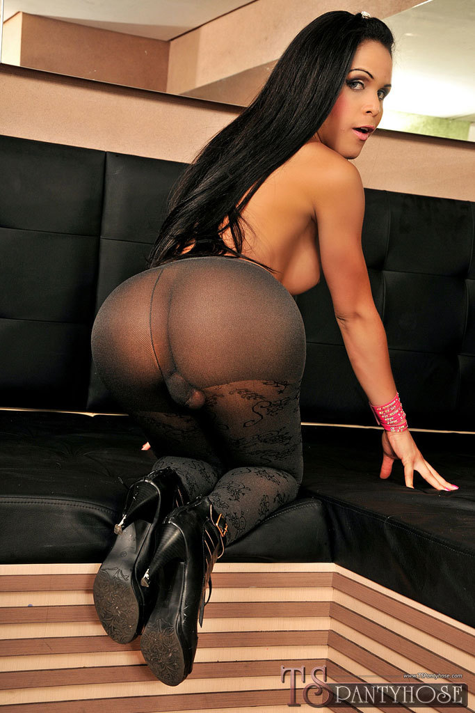Attractive Enormous Tool Ts In Pantyhose Gets Destroyed