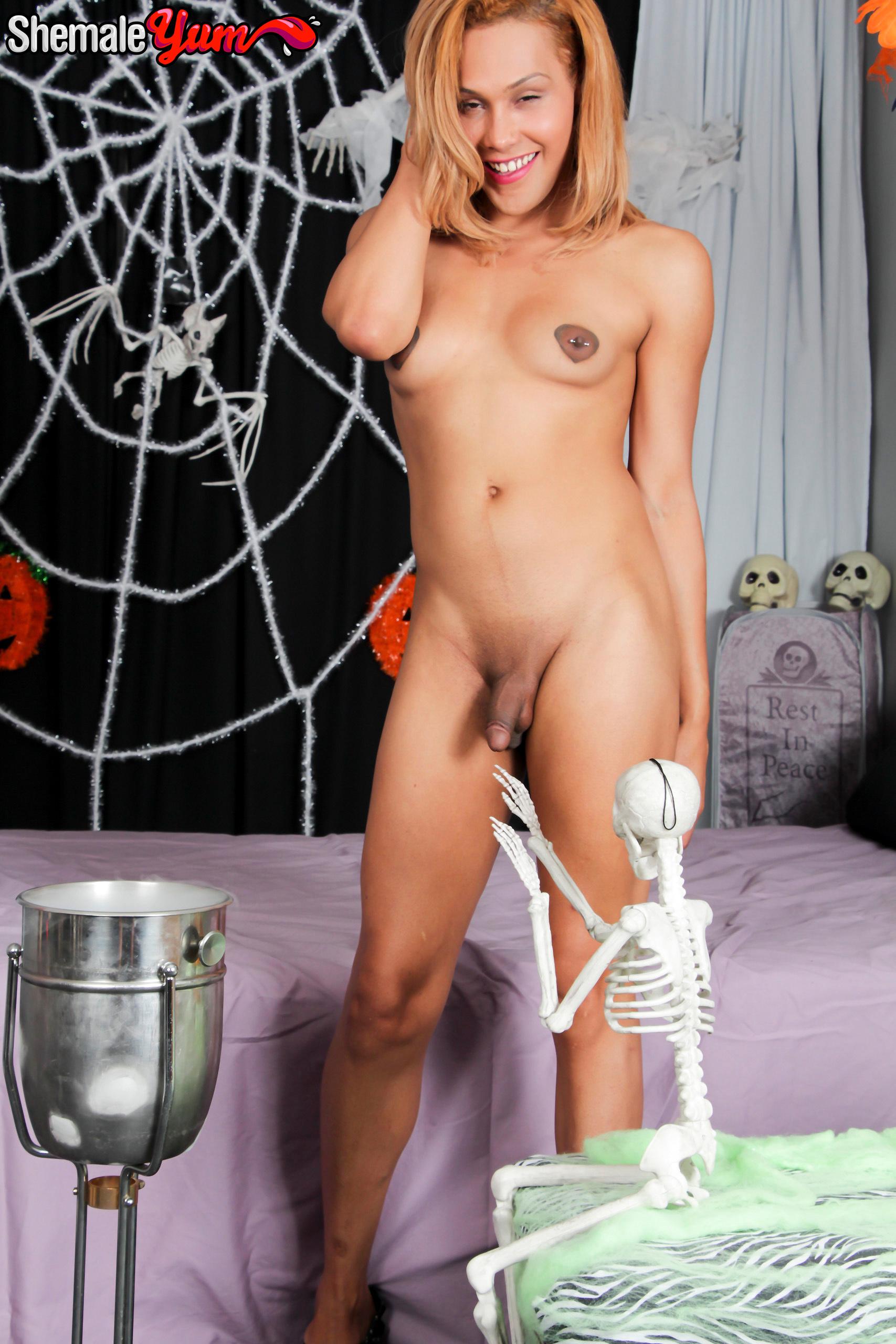 Barbie's Titillating Halloween Special!