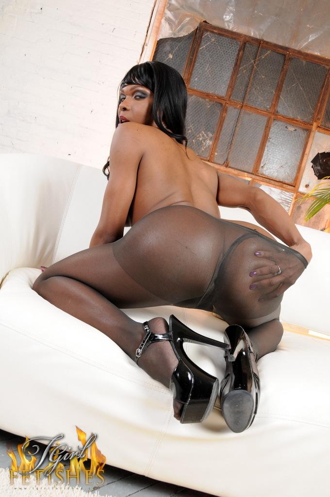 Chocolate Ts Gabriella Teasing In Pantyhose