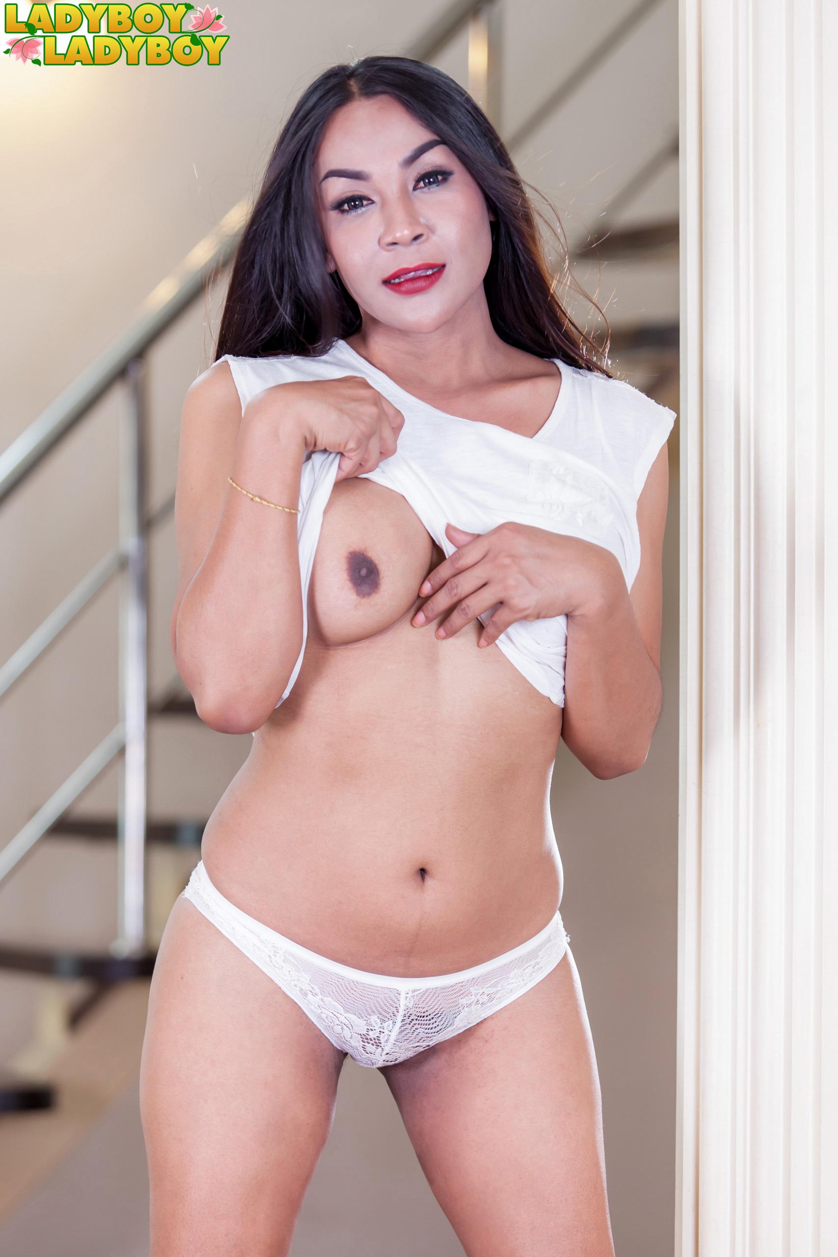 Cute Nicole In White!