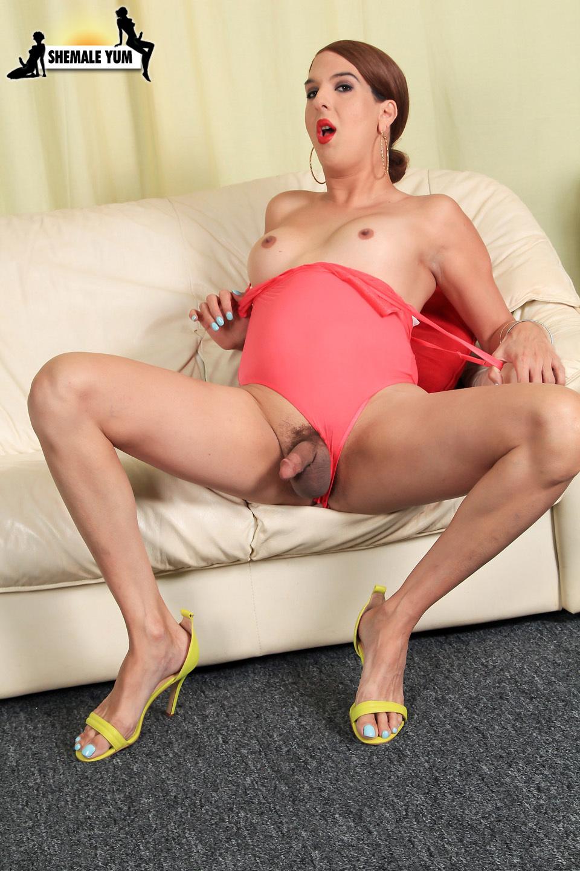 Heritage Model #26 Janira Stroke's Her Cock!