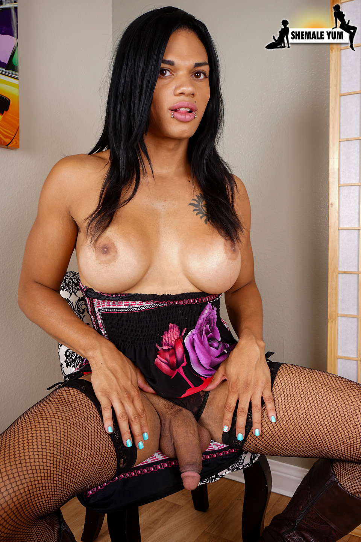 Hung Morena Black Rubs Her Cock!