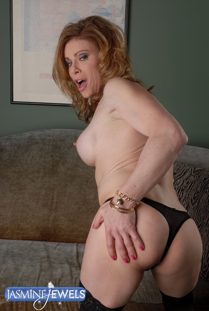 Hungry TMILF Jasmine Jewels In Arousing Blowjob Action