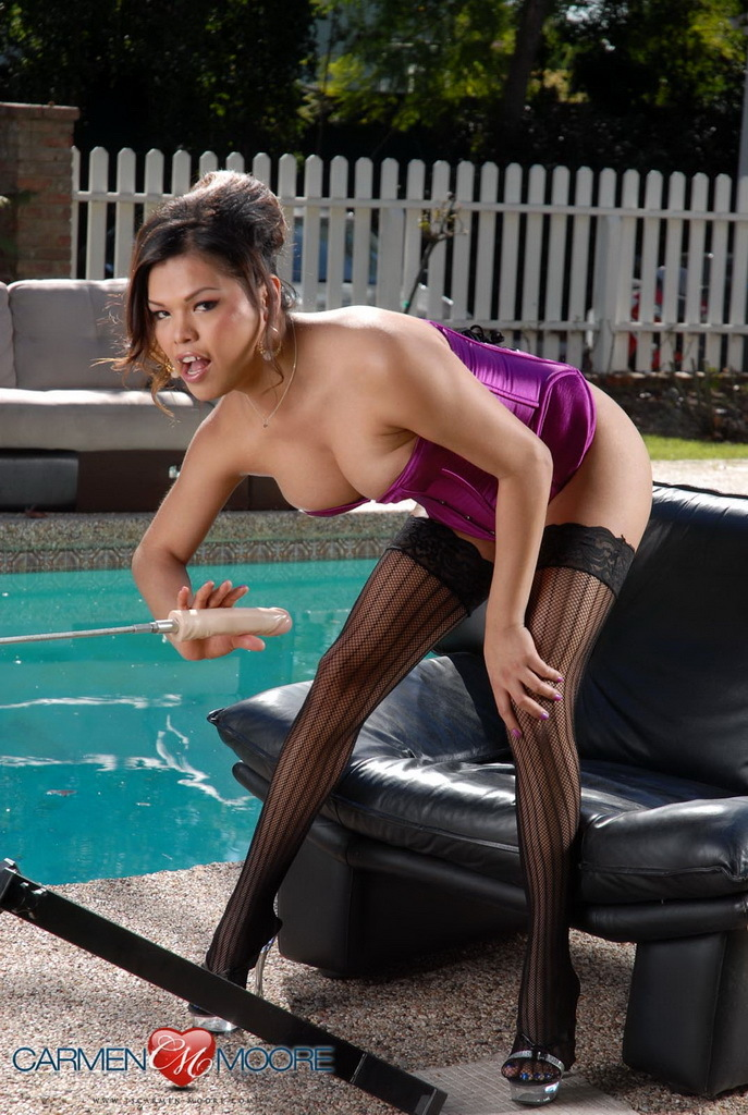 Innocent Carmen Moore Getting Drilled By A Banging Machine