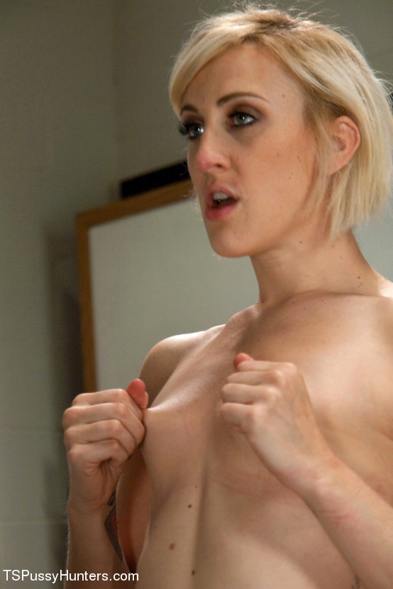 Pay Up With Your Pussy: Tranny Jackie Woods Fuck's A Provocative Shoplifter