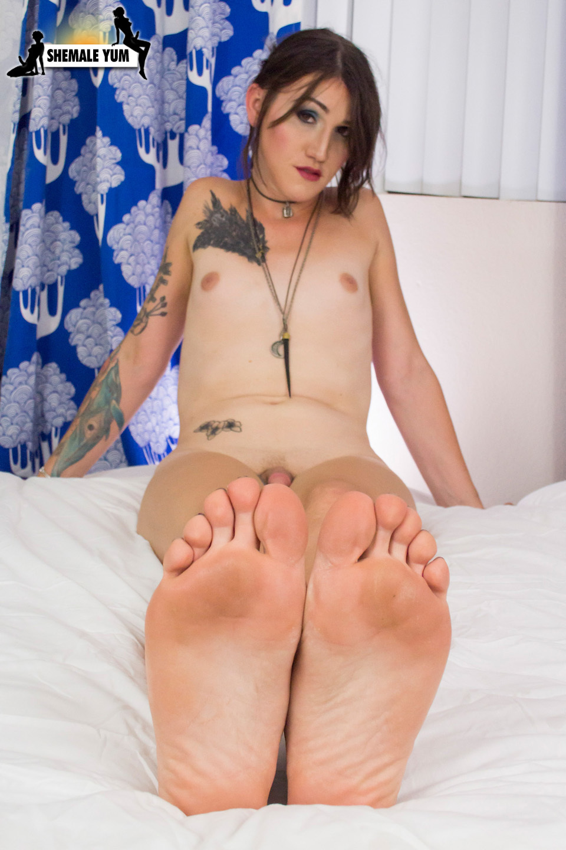 Racy Lena Jade Jacks Off And Cums!