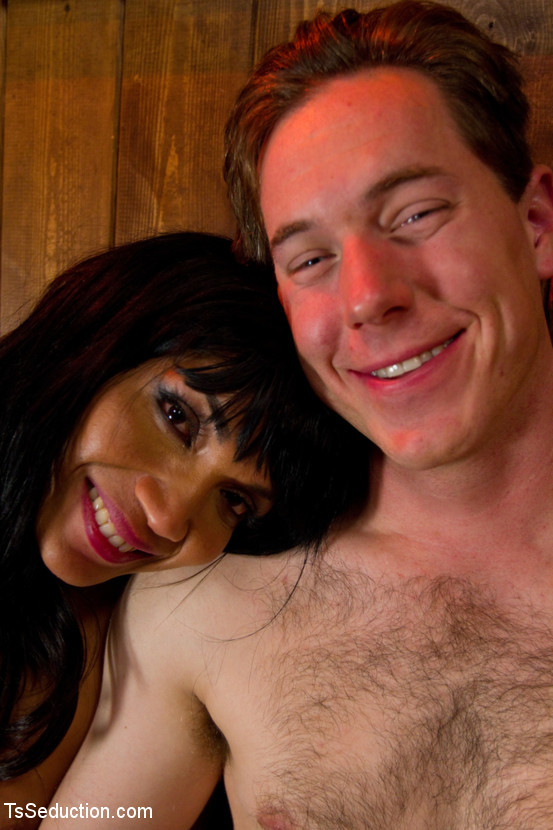 Shemale Penis Sucking Dick For Beginners: Yasmin S Meaty Penis Deep In Vern S Throat And Butt