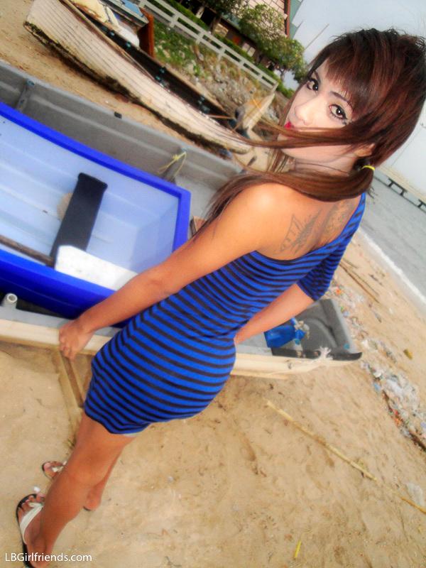 Skinny TGirl Girlfriend Un Shares Her Private Beach Photos