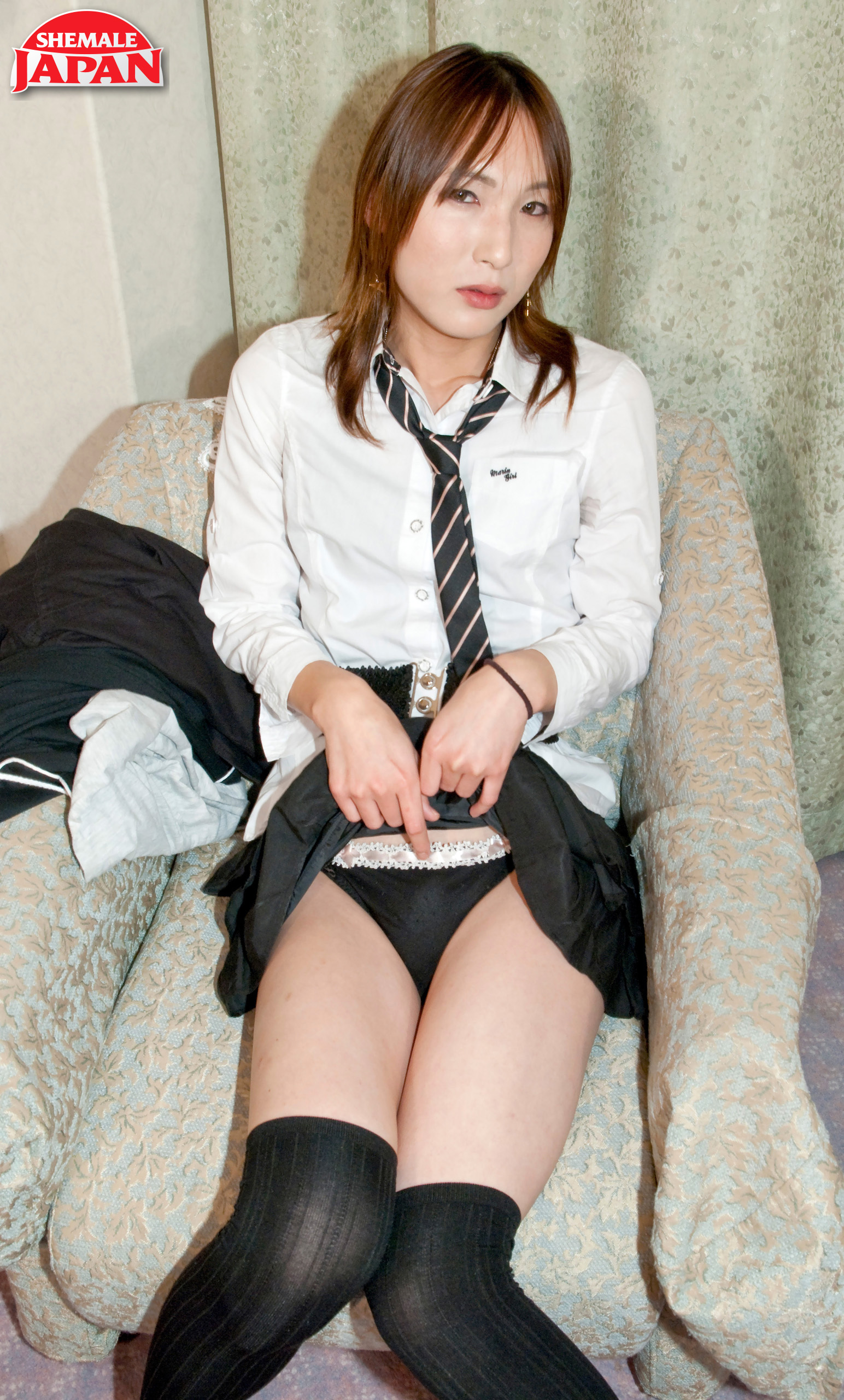 Starved Schoolgirl Narumi!