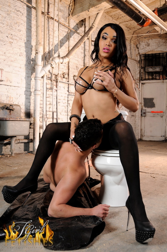 Suggestive Adriana Having Dirty Fun With Her Worshipper