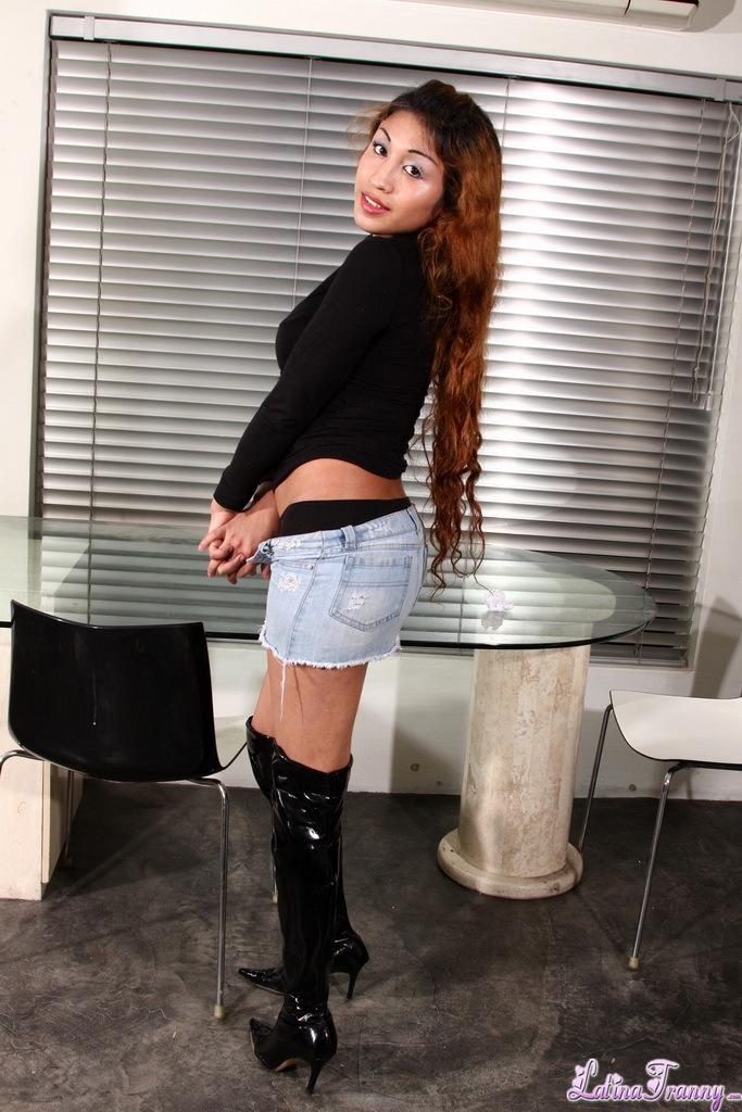 Suggestive Ladyboy Sabrinita Exposing Perfect Body