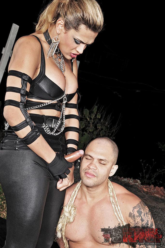 Tranny Mistress Of Pain Thayna Lozada In Action