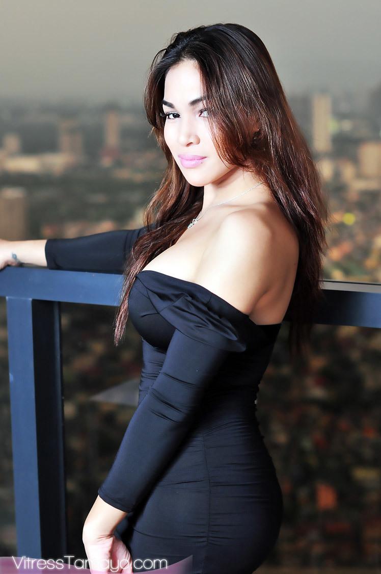 Trans Chick Vitress Tamayo Cumming Rough In Her Black Dress