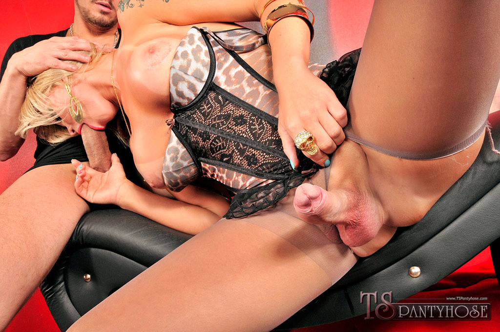 Transexual Carla Novaes Gets Destroyed In Her Nylons