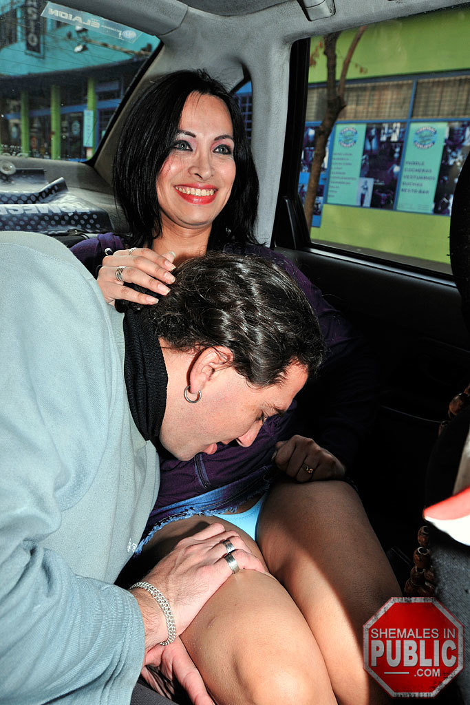 Transexual Sex In The Back Of A Taxi