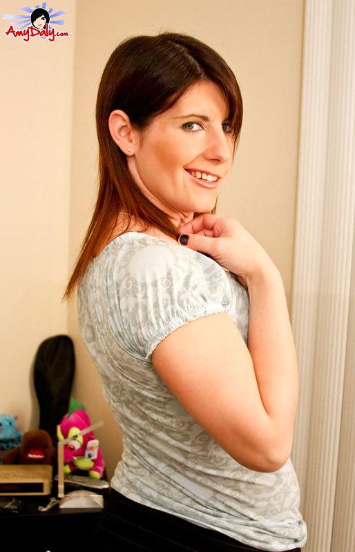 Kimberly Kills Destroys Amy Daly Until She Ejaculates