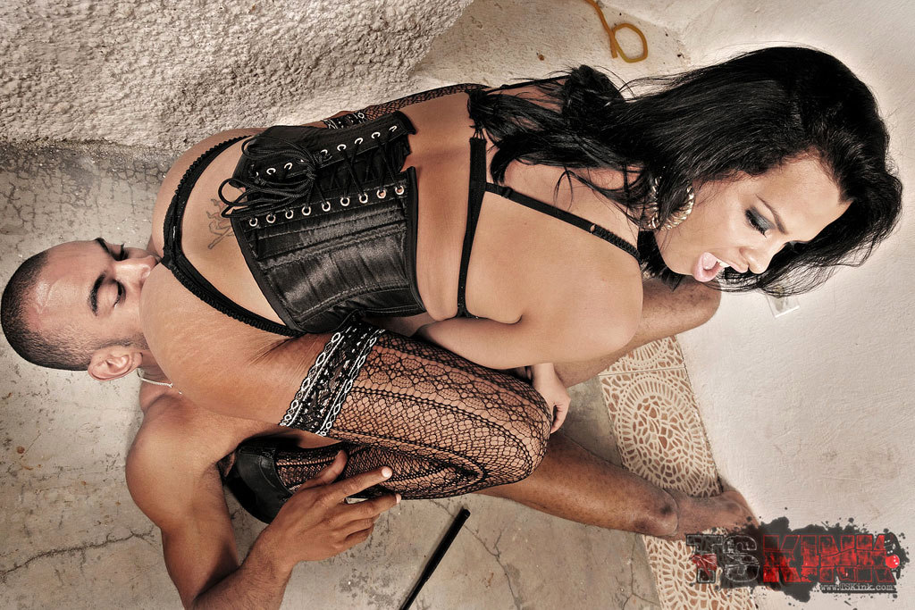 TGirl Domme Does Kinky Things To A Dude